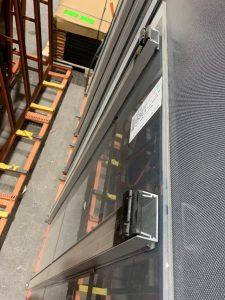 Backrail-Verklebungen an bedruckten Modulen © Planeco